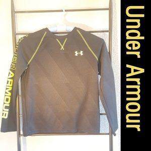 UnderArmour Black and Yellow loose fit 👕
